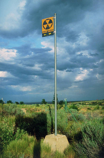 Shelter Photograph - Sign Giving Directions To Nuclear Fallout Shelter by David Parker/science Photo Library
