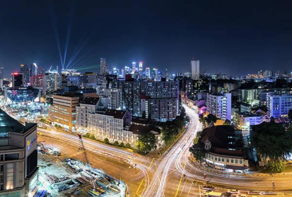 Rush Hour Photograph - Singapore At Night by Guo Xiang Chia