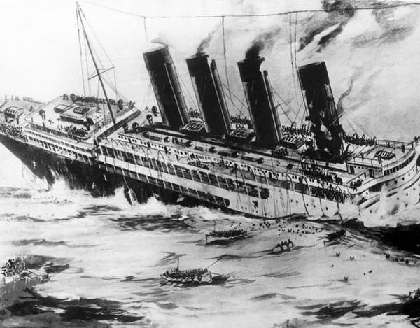 Wall Art - Photograph - Sinking Of The Lusitania by Underwood Archives