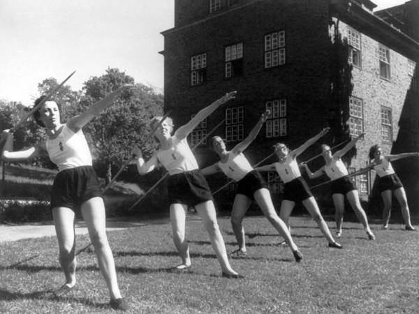Javelin Photograph - Six Girls Throwing Javelins by Underwood Archives