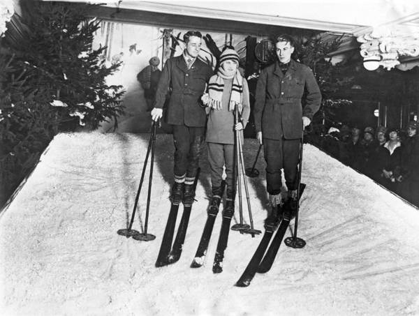 Lessons Photograph - Skiing In Harrods Store by Underwood Archives