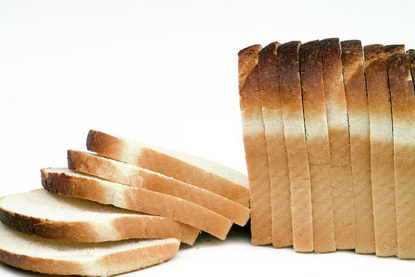 Foodstuff Photograph - Sliced Bread by Uk Crown Copyright Courtesy Of Fera/science Photo Library