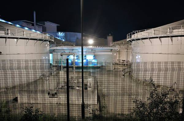 Contamination Photograph - Sludge Treatment And Incineration Plant by Robert Brook/science Photo Library