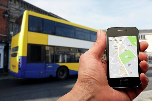 Wall Art - Photograph - Smartphone And Bus by Victor De Schwanberg/science Photo Library