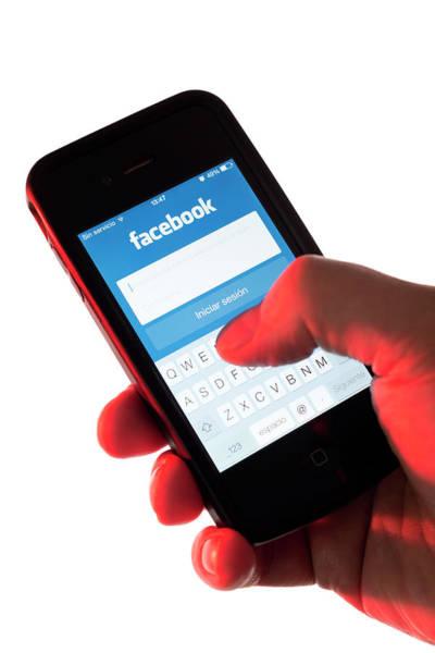 Smartphone Photograph - Smartphone Facebook Interface by Daniel Sambraus