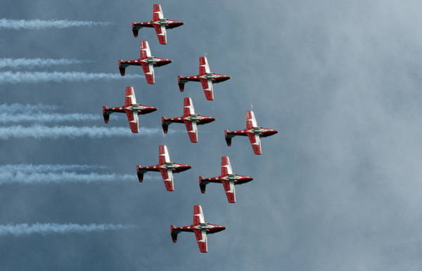 Air Canada Wall Art - Photograph - Snowbirds by Ugur Erkmen