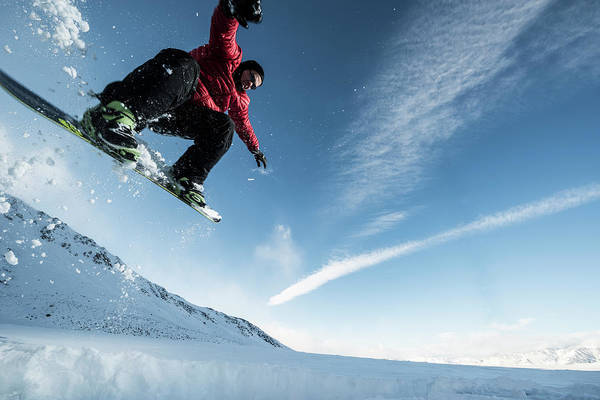 Extreme Sport Photograph - Snowboard by Vernonwiley