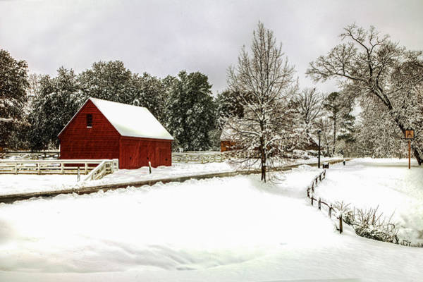 Photograph - Snowfall In Williamsburg by Jerry Gammon