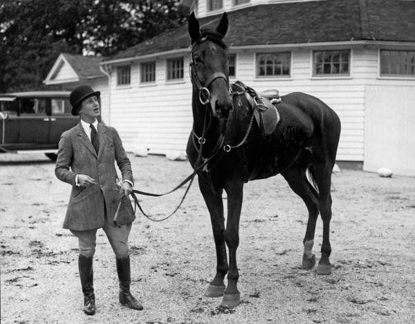 1929 Photograph - Society Prepares For Fox Hunt by Underwood Archives