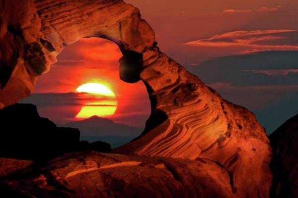 Valley Of Fire Photograph - Solar Eclipse by Babak Tafreshi/science Photo Library