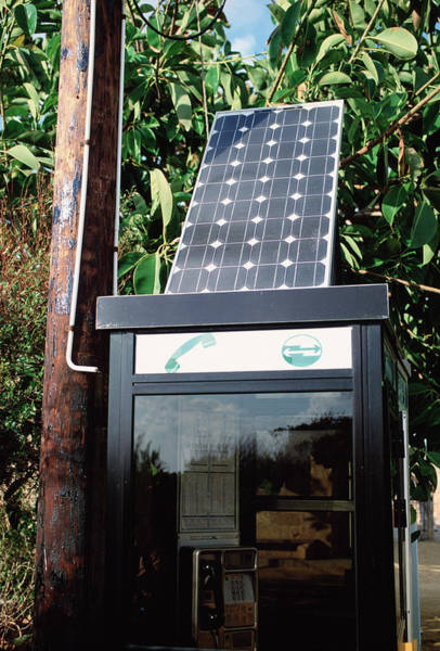 Phone Booth Photograph - Solar-powered Telephone Box by Robert Brook/science Photo Library
