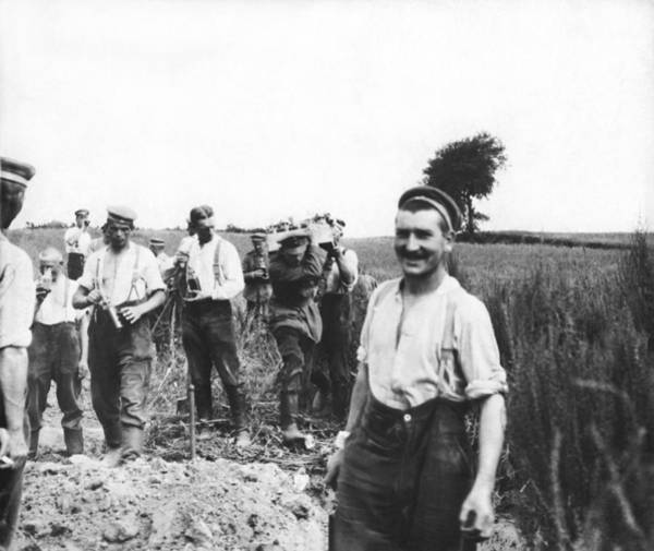 Photograph - Soldiers Working In The Fields by Underwood Archives