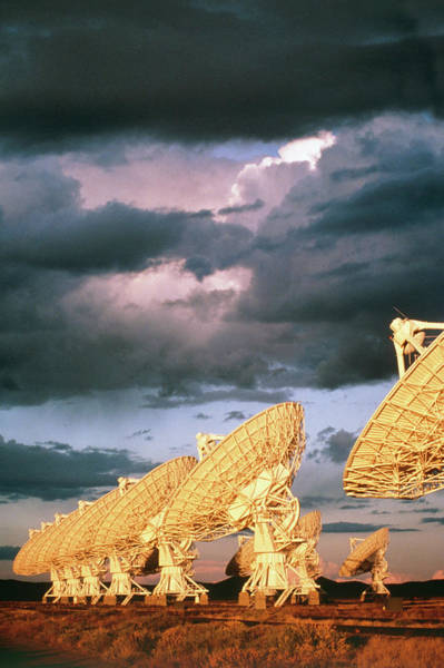 Very Large Array Photograph - Some Of Dish Antennae That Make Up Vla Telescope by Peter Menzel/science Photo Library