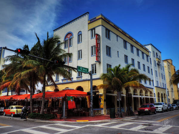 Photograph - South Beach - Edison Hotel 001 by Lance Vaughn