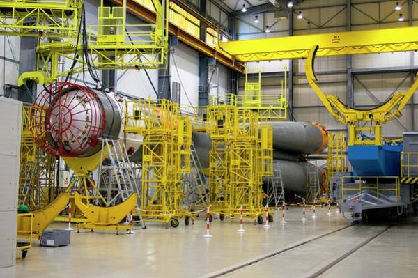 Handling Photograph - Soyuz Rocket At Guiana Space Centre by Mark Williamson/science Photo Library