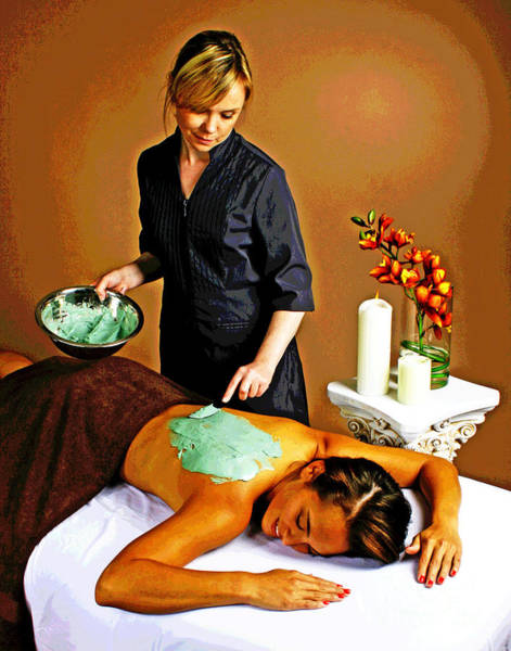 Photograph - Spa Back Facial Beauty by Larry Oskin
