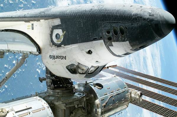 Space Shuttle Photograph - Space Shuttle And Iss by Nasa/science Photo Library