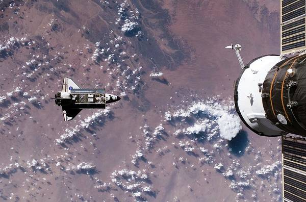 Endeavour Photograph - Space Shuttle And Iss Shuttle by Nasa/science Photo Library