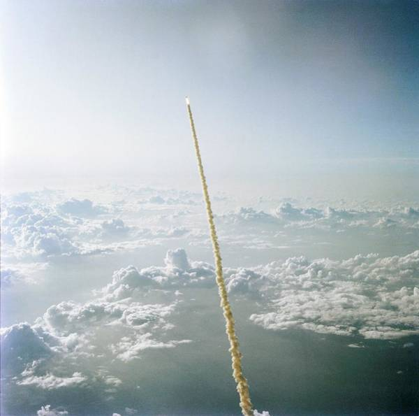 Space Shuttle Photograph - Space Shuttle Challenger Launch by Nasa/science Photo Library