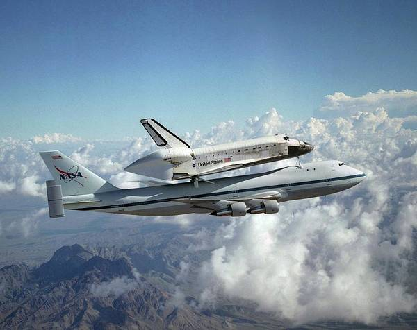 747 Photograph - Space Shuttle Discovery And Carrier by Nasa/lori Losey/science Photo Library