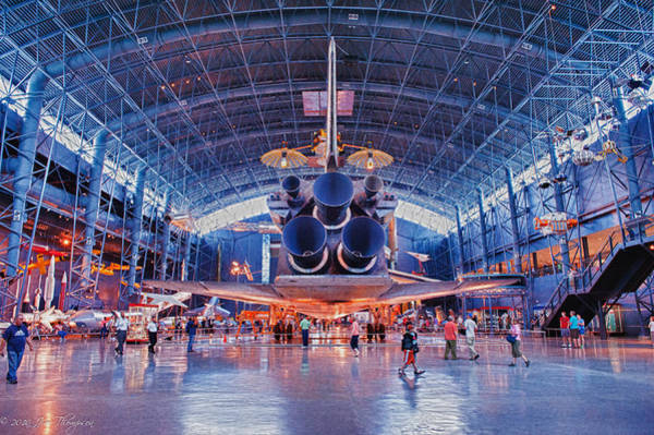 Photograph - Space Shuttle Discovery by Jim Thompson