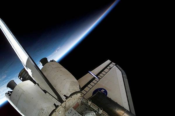 Endeavour Photograph - Space Shuttle Endeavour In Orbit by Nasa/science Photo Library