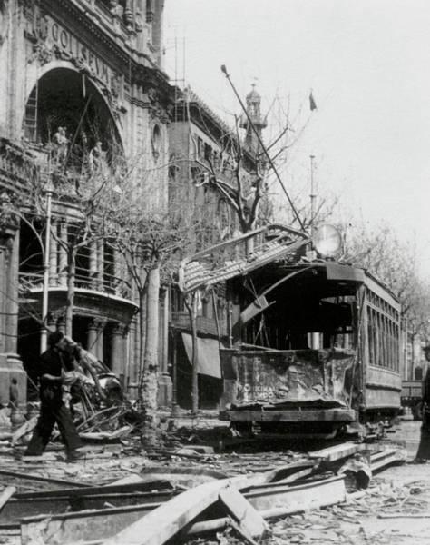 Bomb Photograph - Spanish Civil War (1936-1939 by Prisma Archivo