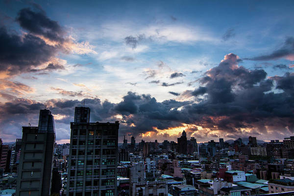 Taiwanese Wall Art - Photograph - Spectacular Clouds by Cheng-lun Chung