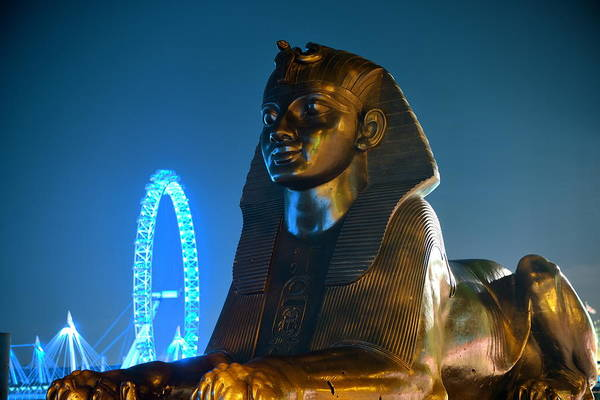 Photograph - Sphinx Statue In London by Songquan Deng