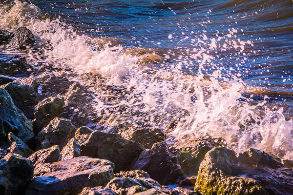 Medway Wall Art - Photograph - Splashes by Dawn OConnor