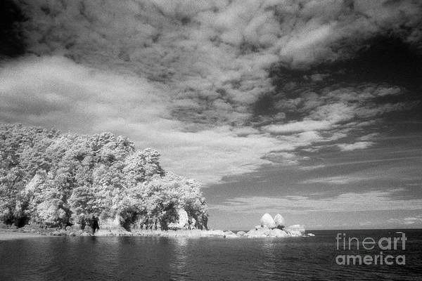 Np Wall Art - Photograph - Split Apple Rock Abel Tasman Np by Colin and Linda McKie