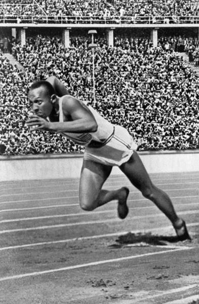 Wall Art - Photograph - Sprinter Jesse Owens by Underwood Archives