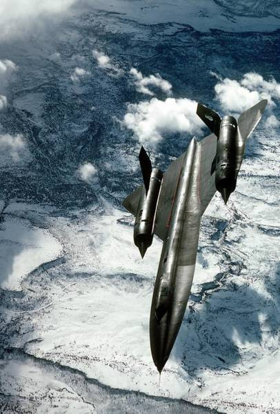 Coverts Photograph - Sr-71 Blackbird Reconnaissance Aircraft by Us Air Force/science Photo Library