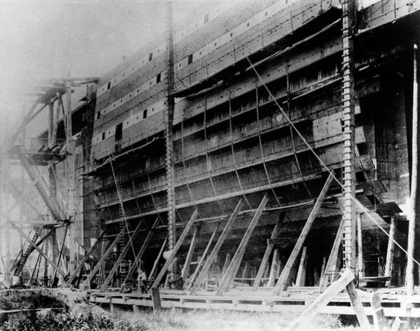 Dry Dock Photograph - Ss Great Eastern Construction by Us Navy/science Photo Library