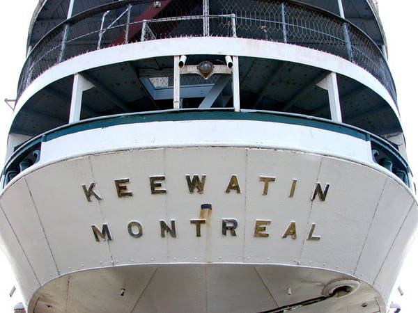 Kalamazoo Photograph - S.s. Keewatin Stern by Michelle Calkins