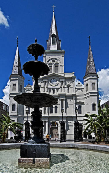 Photograph - St Louis Cathedral Fountain by Andy Crawford