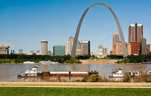Photograph - St Louis Gateway Arch And Skyline by Ginger Wakem
