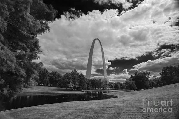 Photograph - St. Louis Missouri Gateway Arch 9573 by David Haskett II