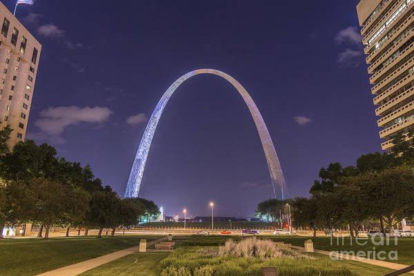 Photograph - St. Louis Missouri Gateway Arch At Night 9398 by David Haskett II