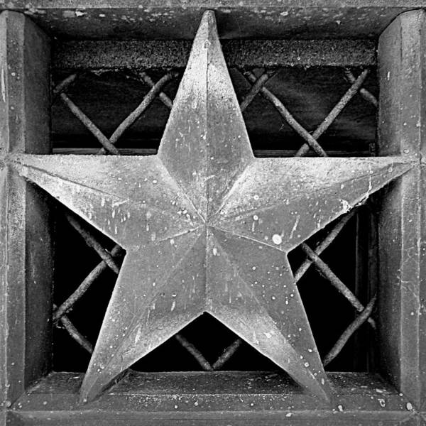 Harrisburg Pa Photograph - Star - Black And White by Joseph Skompski