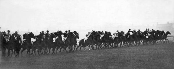 Manchester Photograph - Start Of Manchester Handicap by Underwood Archives