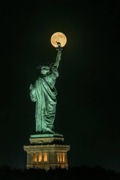 Full Moon Wall Art - Photograph - Statue Of Liberty by Hua Zhu