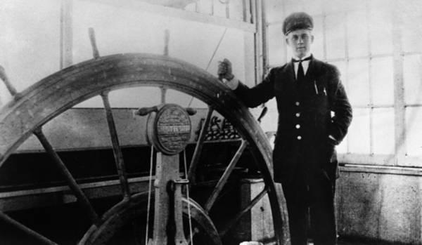 Photograph - Steamer Captain, 1912 by Granger