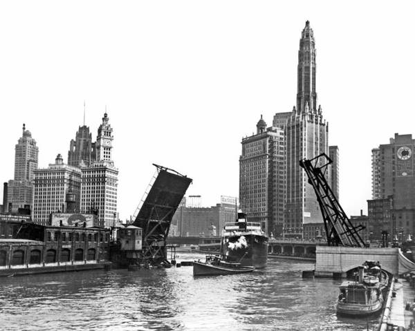 Steam Boat Photograph - Steamer Towed On Chicago River by Underwood Archives