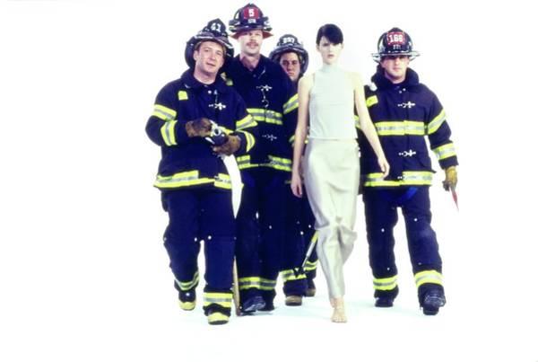 Short Cut Photograph - Stella Tennant With Firemen by Arthur Elgort