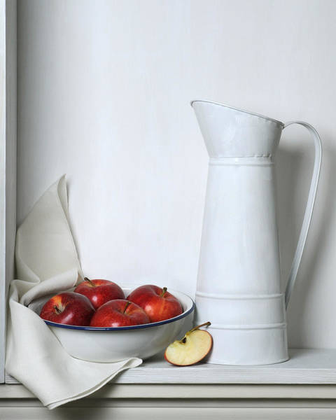 Wall Art - Photograph - Still Life With Apples by Krasimir Tolev