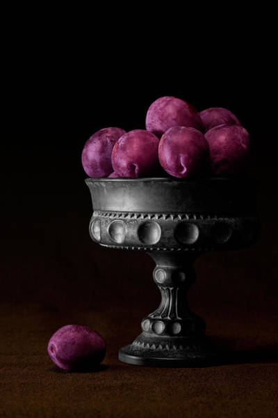 Food Wall Art - Photograph - Still Life With Plums by Tom Mc Nemar