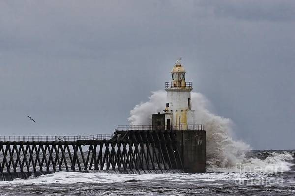 Photograph - Stormy Sea At Blyth by Les Bell
