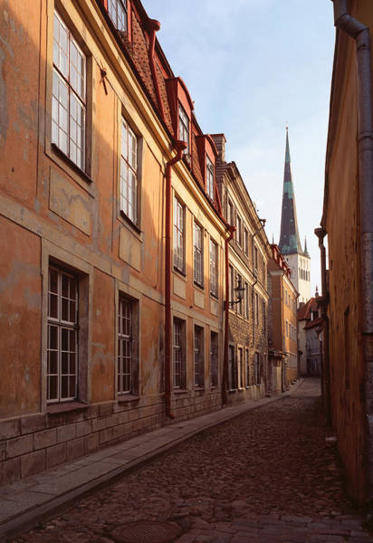 Photograph - Street Scene In Old Town Talliin by Cliff Wassmann