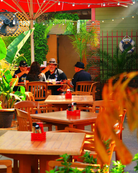 Outdoor Cafe Photograph - Summer People by Laura Fasulo